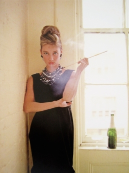 audrey_hepburn_breathing_out_cigarette_smoke_breakfast_at_tiffany's_1961