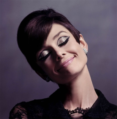 audrey_hepburn_closed_eyes_and_enigmatic_smile