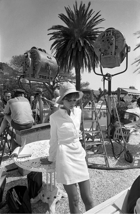 audrey_hepburn_on_the_set_of_two_for_the_road_1967