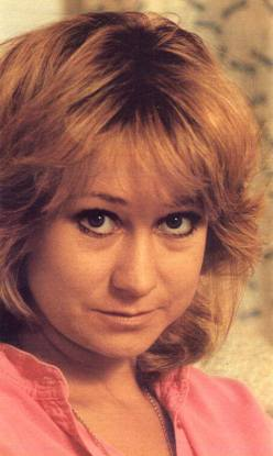felicity_kendal_pink_blouse