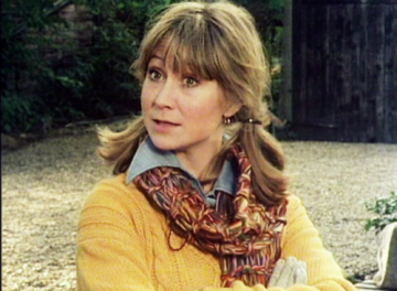 felicity_kendal_the_good_life_hair_in_pigtails_colourful_scarf
