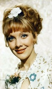 jacki_piper_carry_on_loving_publicity_shot