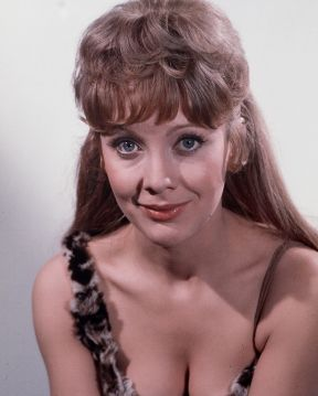 jacki_piper_carry_on_up_the_jungle_cleavage