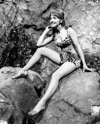 jacki_piper_carry_on_up_the_jungle_publicity_pose_2