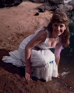 jacki_piper_carry_on_up_the_jungle_publicity_pose_colour