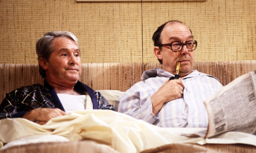 morecambe_and_wise_in_bed.jpg