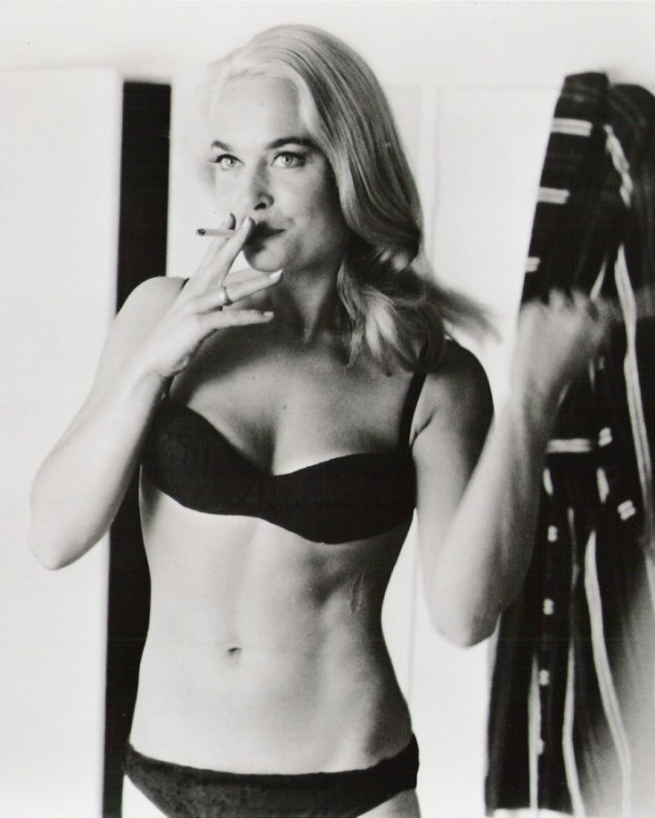 https://georgesjournal.files.wordpress.com/2012/02/shirley_eaton_with_cigarette_goldfinger.jpg?w=720&h=900