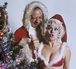 sid_james_and_barbara_windsor_in_santa_outfits_for_1973_tv_times_cover
