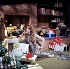 ann-margret_with_christmas_presents