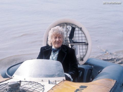 doctor_who_jon_perwee_in_a_hovercraft