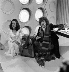 doctor_who_mary_tamm_k-9_and_tom_baker_with_half_a_comedy_moustache_2