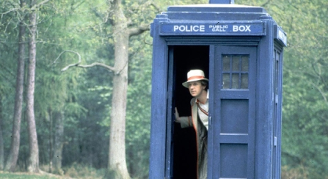 doctor_who_peter_davison_in_the_tardis_doorway