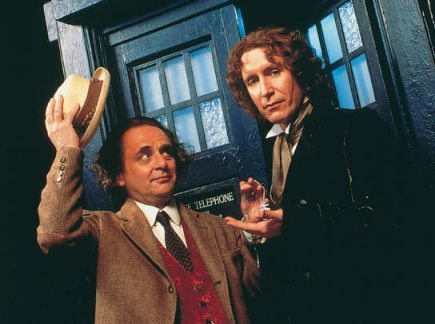doctor_who_sylvester_mccoy_hands_the_key_to_the_tardis_to_paul_mcgann