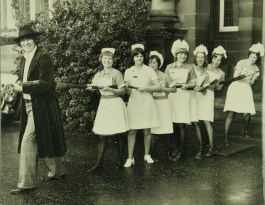 doctor_who_tom_baker_pulls_some_nurses_at_the_royal_edinburgh_hospital