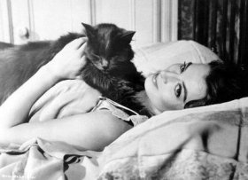 capucine_and_her_pussy