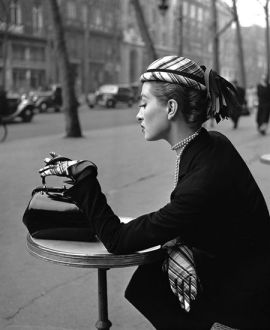 capucine_in_patterned_gloves_and_hat