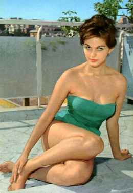 claudia_cardinale_in_green_bathing_suit
