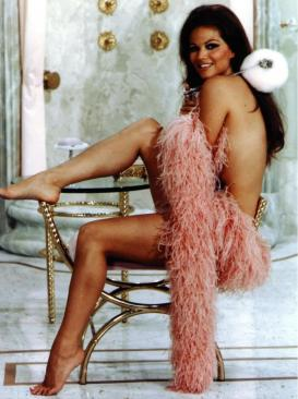 claudia_cardinale_with_pink_feather_boa