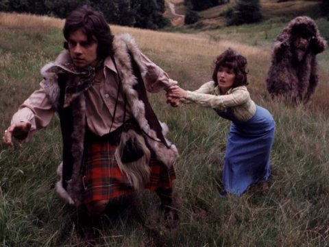 doctor_who_frazer_hines_and_deborah_watling_pursued_by_a_yeti
