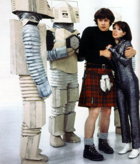 doctor_who_frazer_hines_and_wendy_padbury_in_publicity_shot_for_the_mind_robber