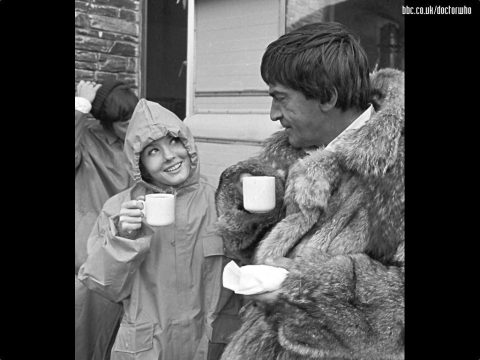 doctor_who_patrick_troughton_and_deborah_watling_in_a_tea_break