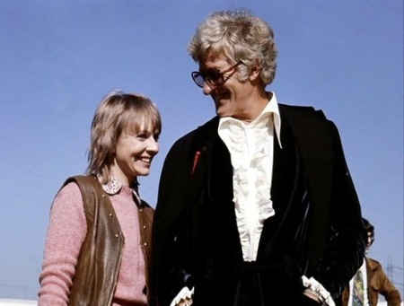 doctor_who_katy_manning_and_jon_pertwee_in_sunglasses