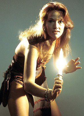 doctor_who_louise_jameson_with_shining_dagger