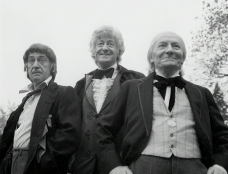 doctor_who_patrick_troughton_jon_pertwee_and_william_hartnell_the_three_doctors_b_&_w