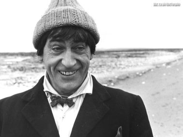 doctor_who_patrick_troughton_wearing_woolly_hat