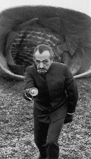 doctor_who_roger_delgado_looking_threatening