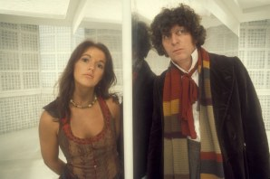 doctor_who_tom_baker_and_louise_jameson_reflected_in_mirror_2