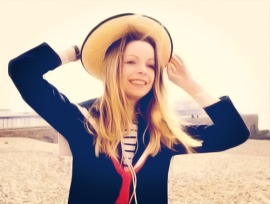 lalla-Ward_on_brighton_beach_2