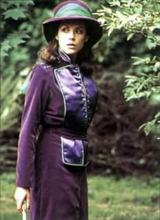 mary_tamm_purple_outfit
