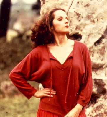 mary_tamm_red_dress_2