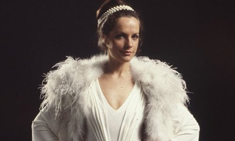 mary_tamm_with_white_feather_boa