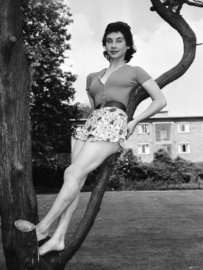 carole_ann_ford_in_hot_pants