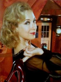 doctor_who_alex_kingston_with_heels_in_tardis