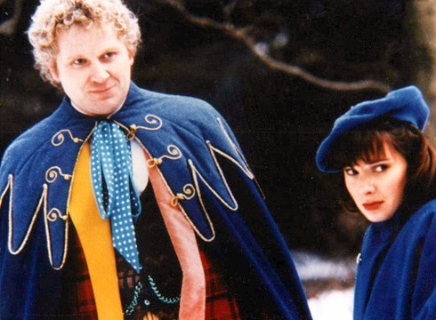 doctor_who_colin_baker_in_blue_cloak_with_nicola_bryant