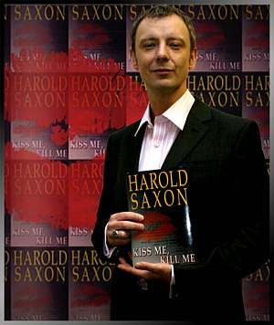 doctor_who_john_simm_with_'harold_saxon'_autobiography
