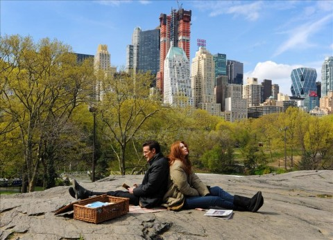 'Dr Who' cast Matt Smith and Karen Gillan film in Central Park, NYC