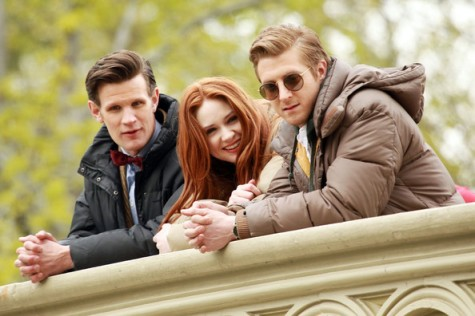 doctor_who_matt_smith_karen_gillan_and_arthur_darvill_on_set_in_central_park_the_angels_take_manhattan