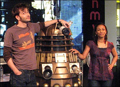 dotor_who_david_tennant_and_freema_agyeman_at_hmv_oxford_circus_london_signing_copies_of_series_three_dvds_novemeber_2007