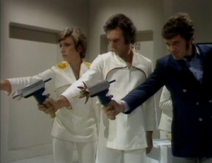 doctor_who_the_ark_in_space_ian_marter_and_others_aiming_at_the_wirrn