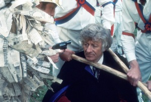 doctor_who_the_daemons_jon_pertwee_at_pistol-point