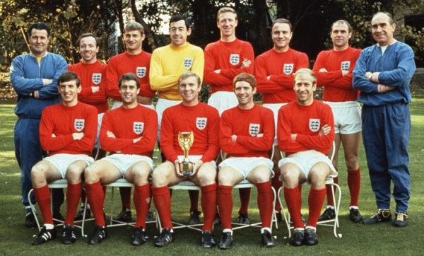england_kits_1965-74_away_large