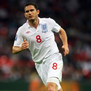 england_kits_2009-11_home