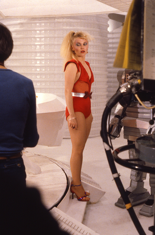 sandra_dickinson_the_hitchhiker's_guide_to_the_galaxy_legs
