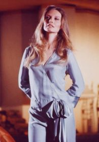 catherine_in_night_clothes_in_on_her_majesty's_secret_service
