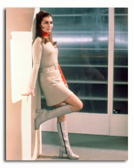 catherine_schell_as_maya_in_space_1999_against_wall