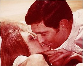 catherine_schell_in_a_scene_with_george_lazenby_in_on_her_majesty's_secret_service_2